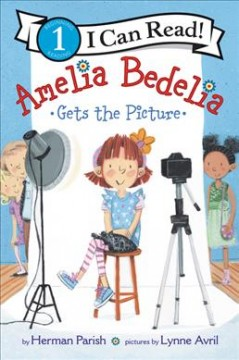 Amelia Bedelia gets the picture cover image
