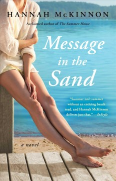 Message in the sand : a novel / Hannah McKinnon.