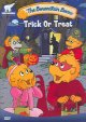 Cover for The Berenstain bears. Trick or treat =: La famille Berenstain. Un bonbon ou...